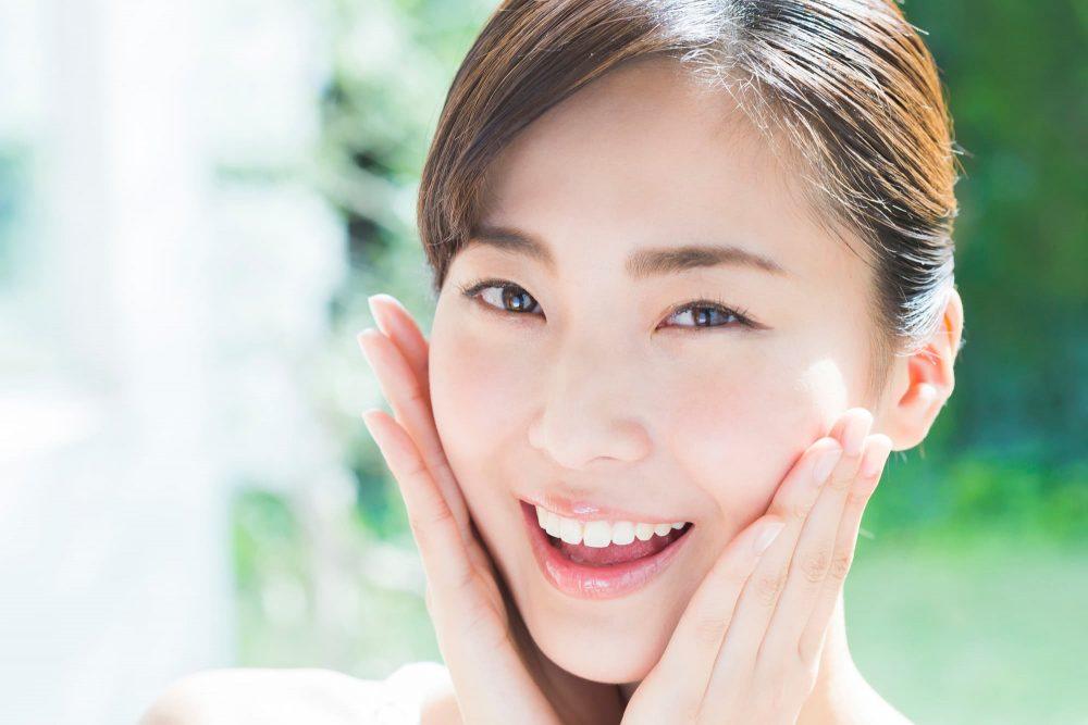ほほのたるみを改善する美容皮膚科の施術メニュー